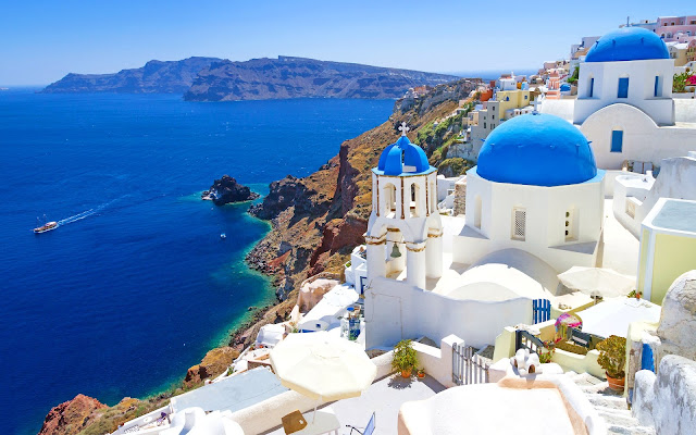 Things You Need To Do When In Santorini Greece
