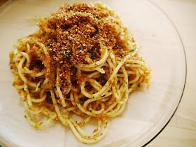 A LOAF WE DESERVE: 茴香籽與迷迭香豬肉;直麵。柑橘、大蒜和麥麩 Fennel Seeds & Rosemary Pork; Spaghetti with Citrus & Garlic ...