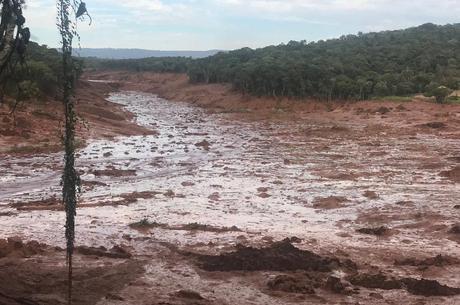 PENTE-FINO: Governo publica resolução que determina fiscalização de barragens.