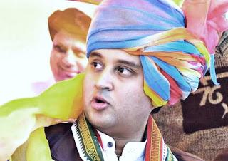 अपनी ही सरकार के खिलाफ सड़क पर उतरेंगे ज्योतिरादित्य सिंधिया, ऐलान के बाद कांग्रेस में बढ़ी टेंशन!