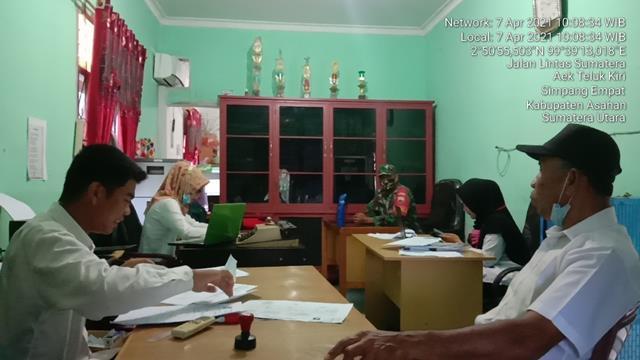 Berikan Himbauan Protokol Kesehatan, Personel Jajaran Kodim 0208/Asahan Laksanakan Komsos Bersama Perangkat Desa