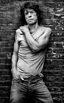 Foto de Mick Jagger posando para sus fans