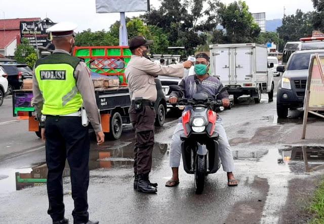 Petugas Gabungan Perketat Kendaraan Masuk Cilacap Waspada Peningkatan Corona