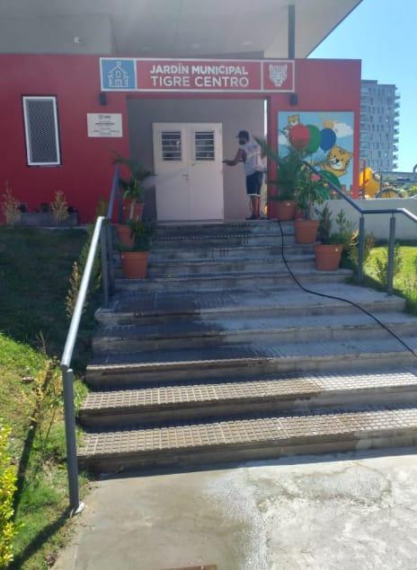 Los establecimientos educativos de Tigre son sanitizados antes de la vuelta a clases