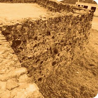 Muro de 10 metros de altura do Forte Dom Pedro II, em Caçapava do Sul