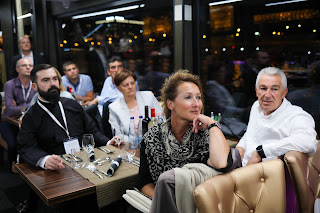 AGM 2021: A formal boat dinneron the Danube river