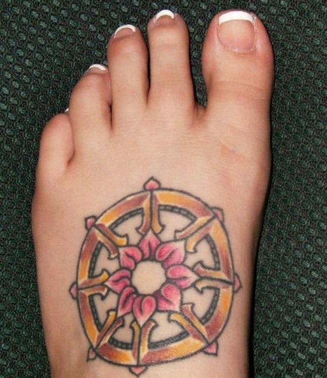 Imagen de amuleto tatuado