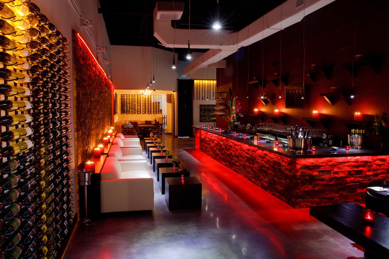 Restaurante fleming s prime steakhouse wine bar em