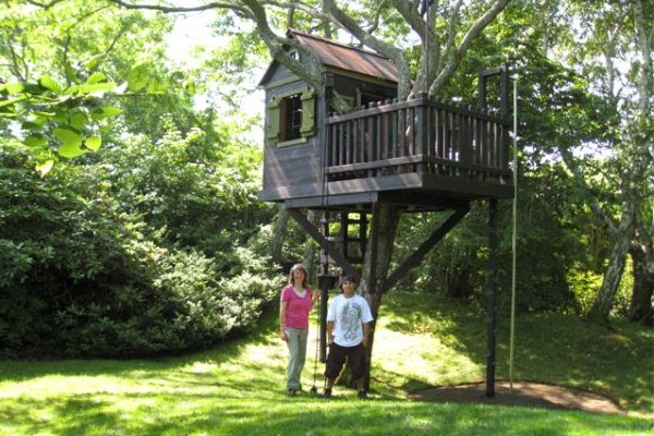 A Tree House Is Dream Idea For Any Kid Out There Children Love To Have Small In Their Back Yard They See Them On Tv Favorite