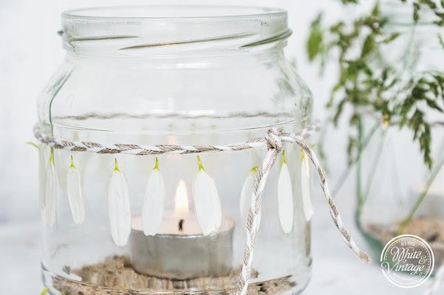 DIY Windlichter mit Blüten verzieren