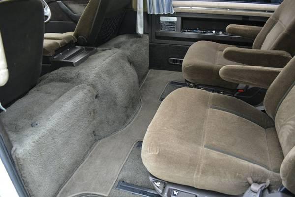 Unique 4x4 Van 1991 Mitsubishi Delica Exceed Auto