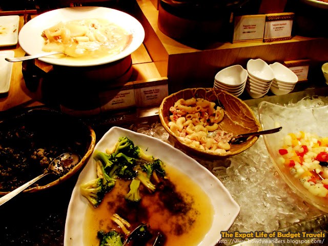 bowdywanders.com Singapore Travel Blog Philippines Photo :: Singapore :: Hifumi Japanese Restaurant - All-You-Can-Eat-Appetizer Bar