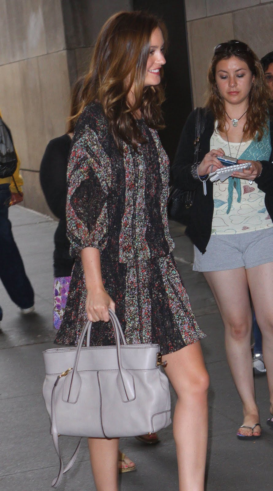 65425e621d91a Not to forget the Queen Bee that we all love, the pretty Leighton Meester  looking au corant as always with her TOD's D Bag Shopping