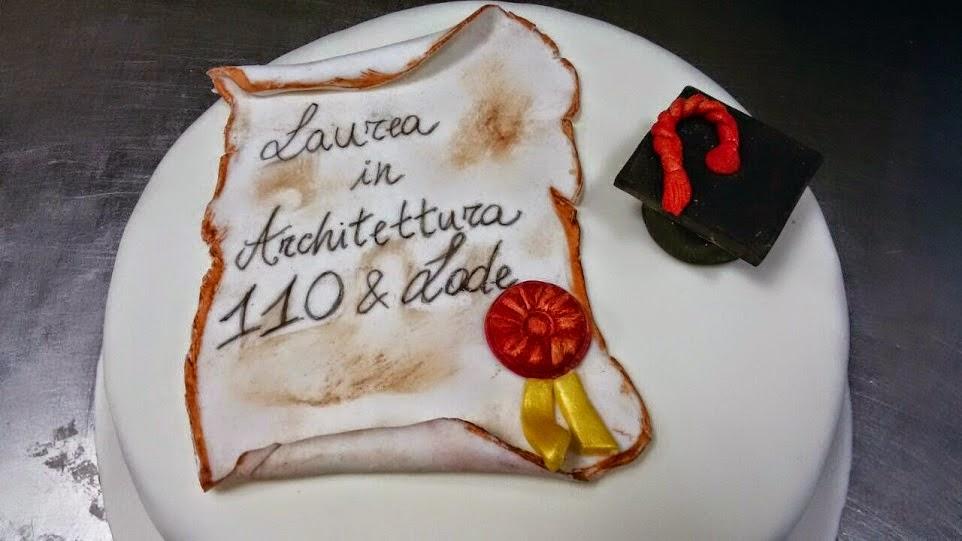 Top La Riccia Che Pasticcia: TORTA LAUREA CON PERGAMENA QT24
