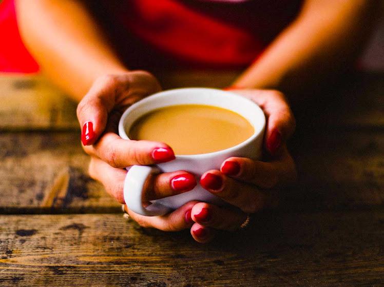 Receita de chocolate quente cremoso, para aquecer dias mais frios