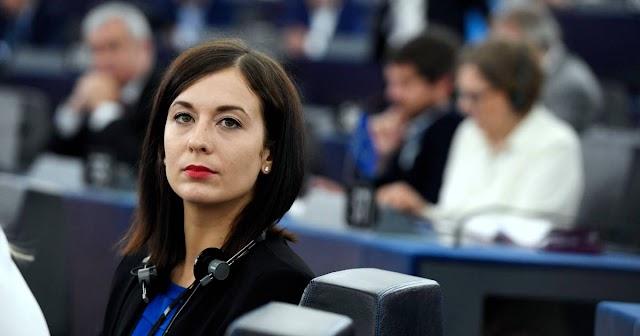 A néppártnál könyörgött a Fidesz kizárásáért Cseh Katalin