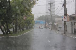 Inmet divulga alertas laranja e amarelo sobre risco de chuvas intensas para 75 municípios da Paraíba