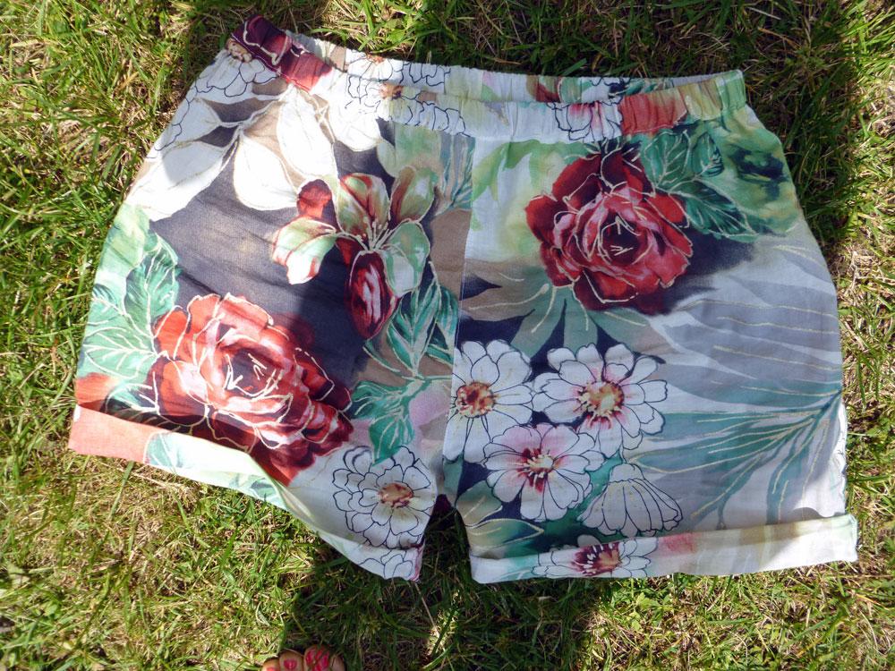 ba2e89b7 Og så skal I også lige se min første kjoleudgave af dette mønster .
