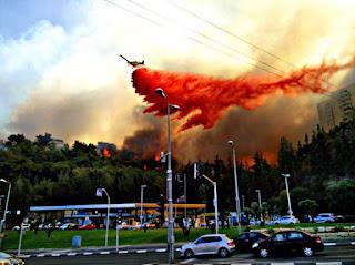 Foto Kebakaran Besar Kawasan Jajahan Israel Di Palestin