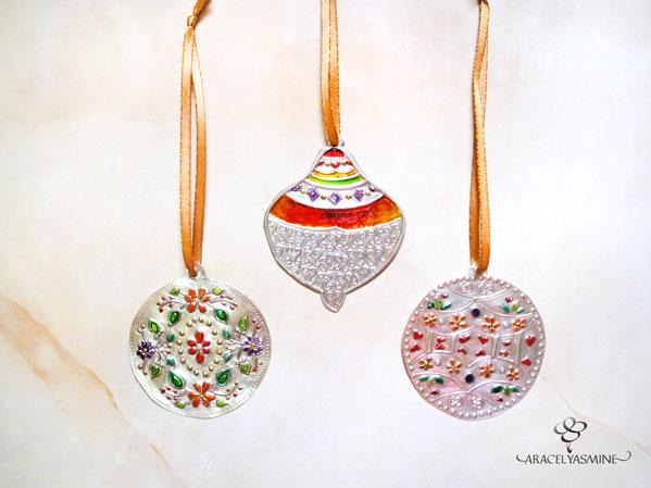adornos colgadores navideños repujado en aluminio