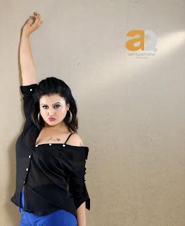 Actress Sona Heiden Latest Pictureshoot Gallery 0002