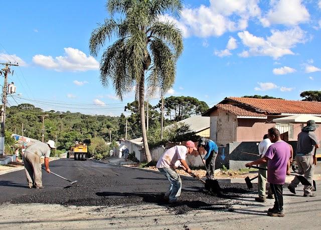 Obras de pavimentação são vistoriadas no Santa Tereza