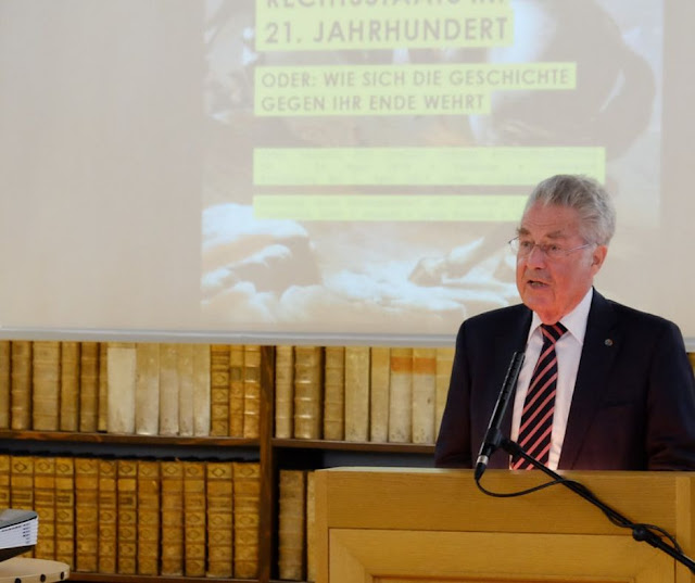 إسم في الحكومة الجديدة يثير استغراب رئيس النمسا السابق