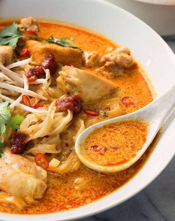 Laksa is a spicy coconut noodle soup that needs to be in your repertoire. Creamy. A bit spicy. Great southeast Asian flavours. It just screams delicious.