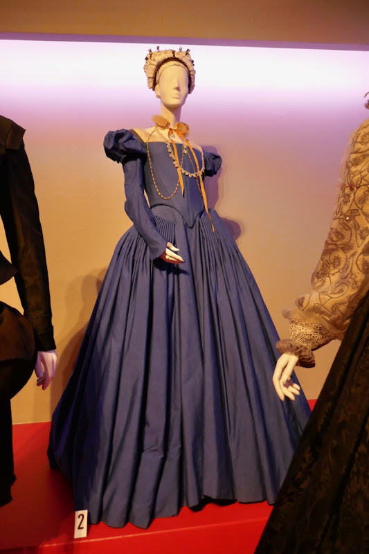 Saoirse Ronan Mary Queen of Scots film costume
