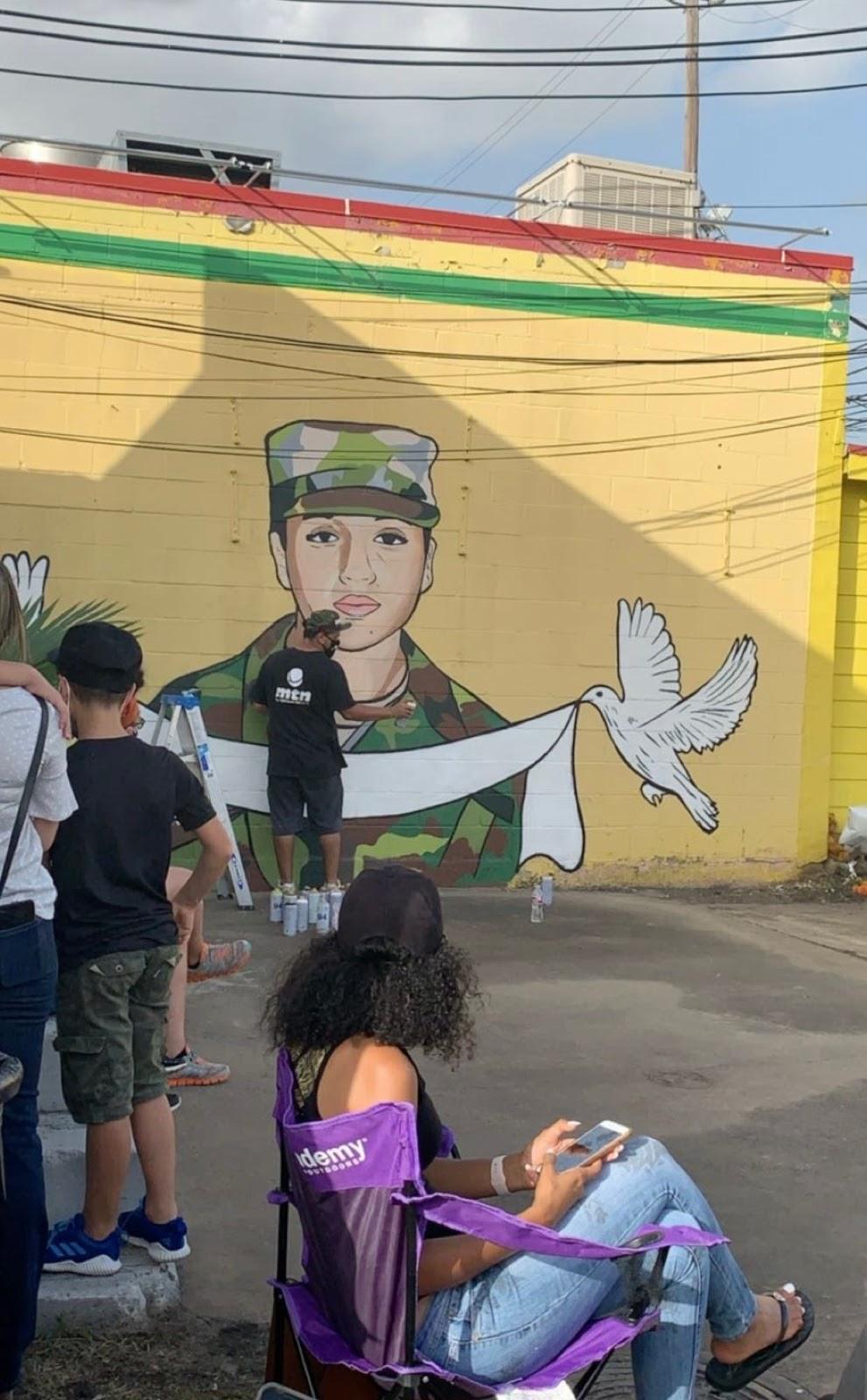 Artist Draws Vanessa Guillen Face on The Wall (Photos ...