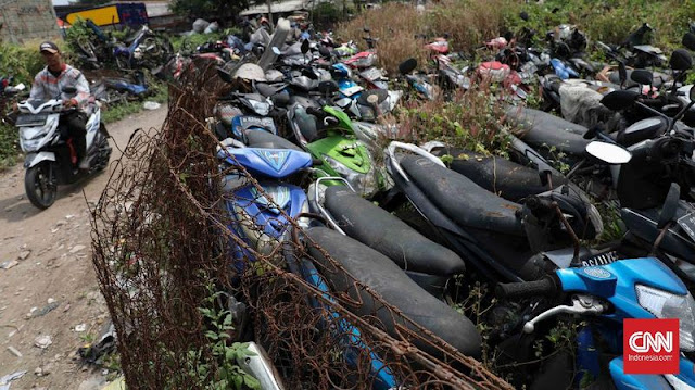 Kuburan Sepeda Motor di Bekasi