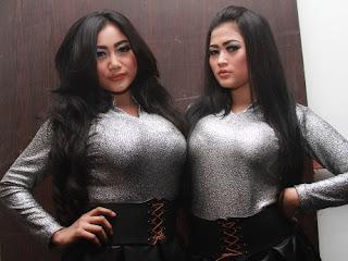 Foto Duo Serigala