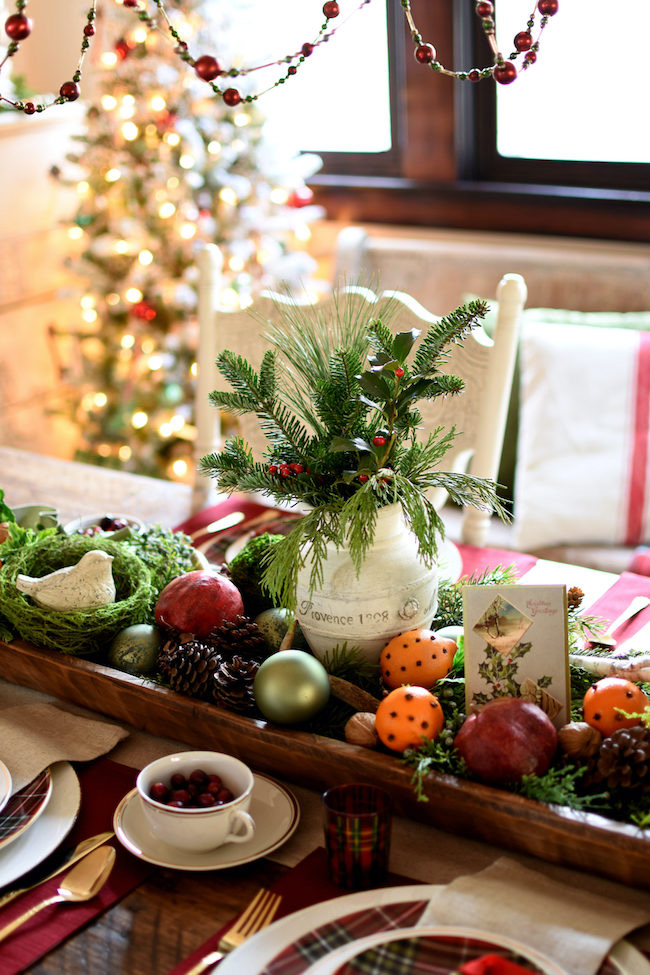 Creating Christmas in the Dining Room by Follow the Yellow Brick Home featured at Pieced Pastimes