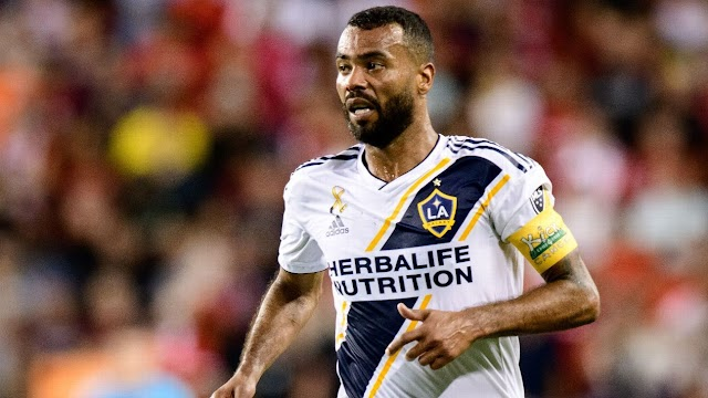 Ashley Cole announces his retirement from international football