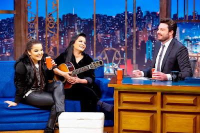 Maiara, Maraisa e Danilo durante entrevista (Crédito: Gabriel Cardoso/SBT)