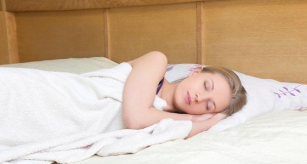 Tidur Menghadap Kekiri Setiap Malam dan Rasakan Manfaatnya!