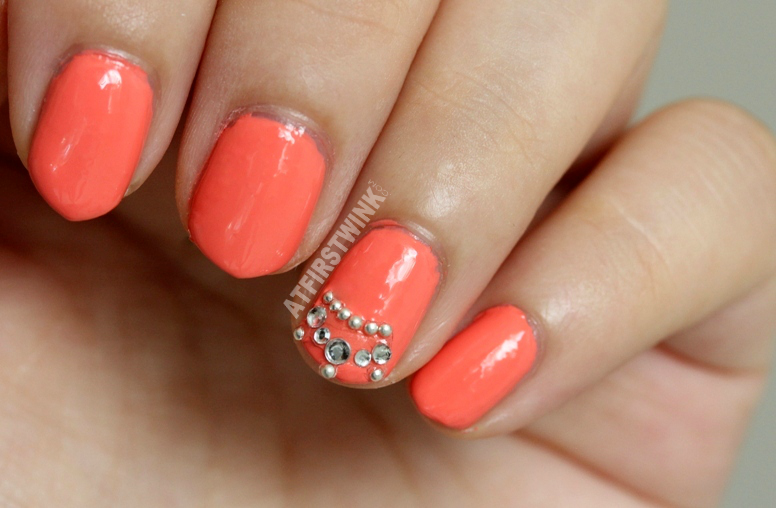 Essie nail polish tart deco with crown beads