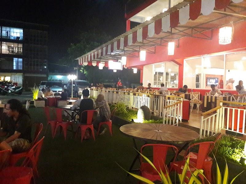Experience : Red Corner Ex Goro Makassar