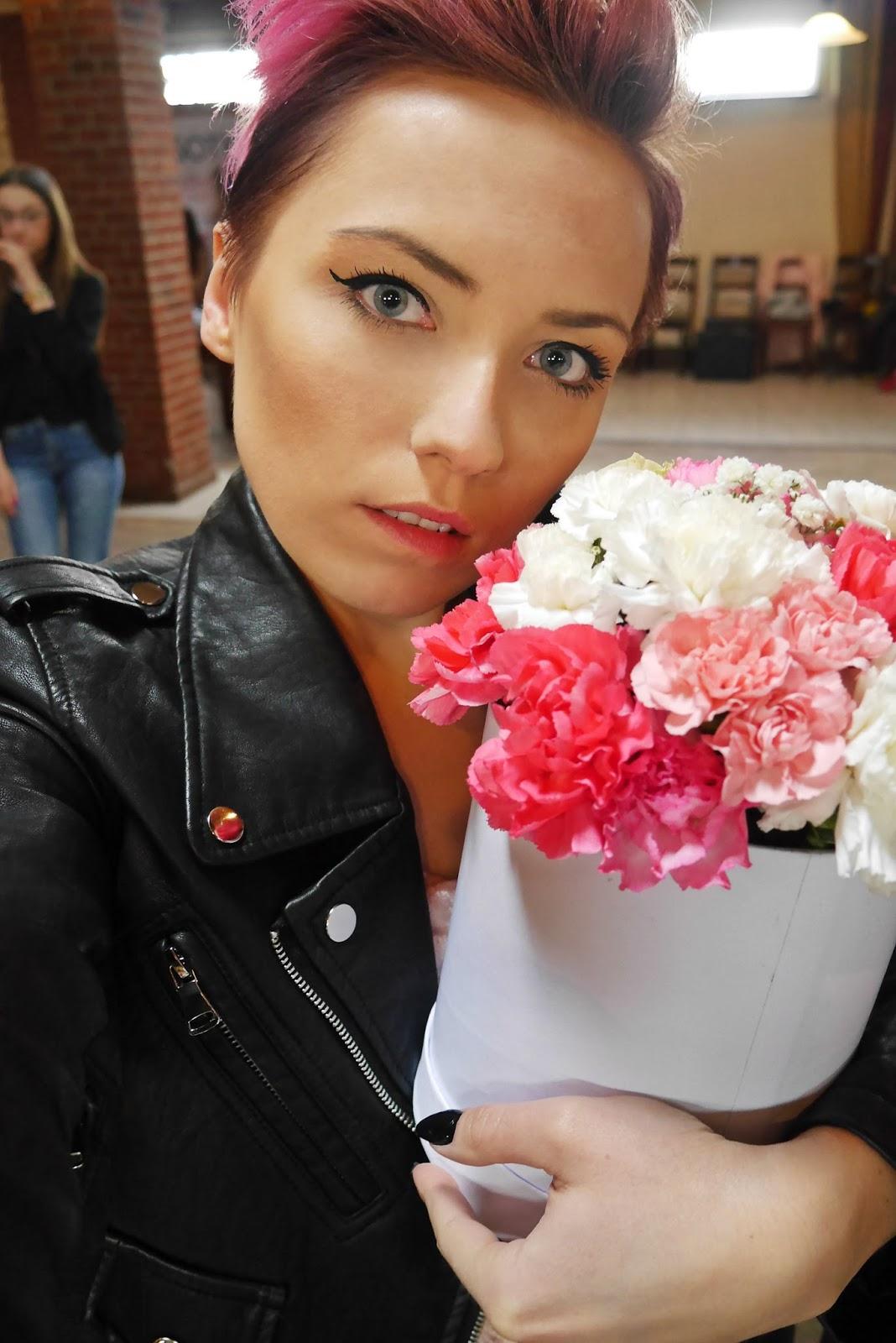 kobieca_niedziela_deblin_blogerka_MODOWA_karyn_look_ootd_240417k