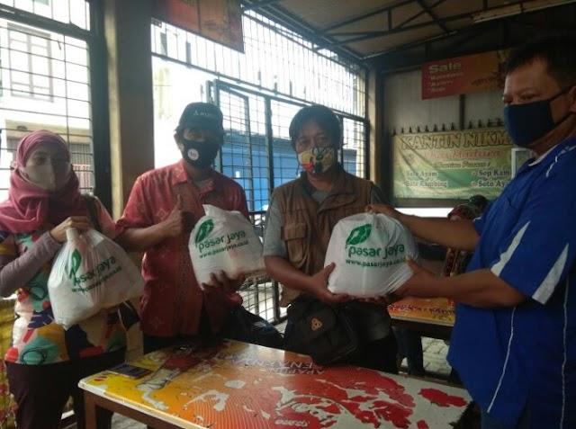 MOI DKI Terima Bantuan Sembako dari Pasar Jaya Upaya Peduli Jurnalis Covid-19