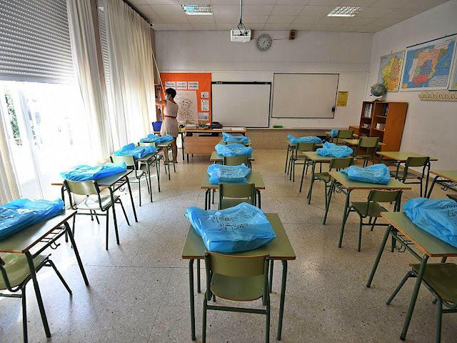 El curso comienza con 400 alumnos menos, normas Covid y una convocatoria de huelga