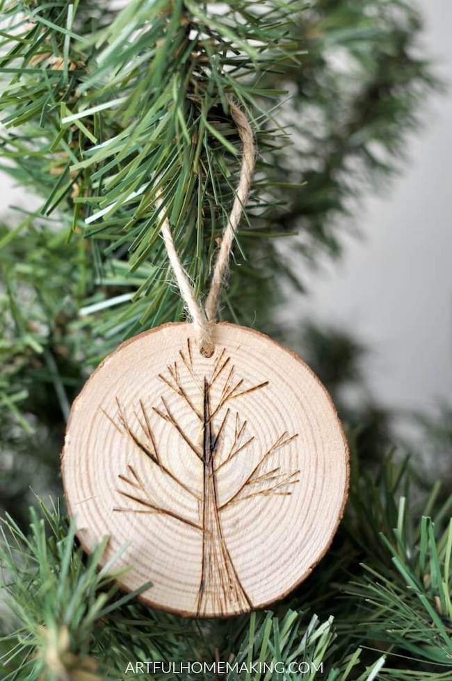 Rustic Wood Slice Christmas Ornaments DIY Tutorial by Artful Homemaking featured at Pieced Pastimes