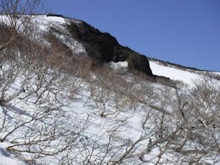 高田大岳噴火口の岩。