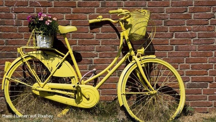 Fahrräder als Gartendeko