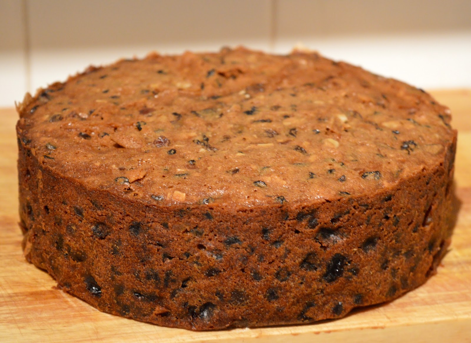 How To Line A Cake Tin For Fruit Cake