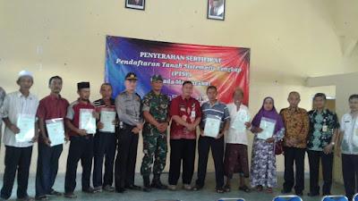 DANRAMIL 11 TEMBARAK HADIRI PENYERAHAN SERTIFIKAT TANAH TAHAP II TA 2019