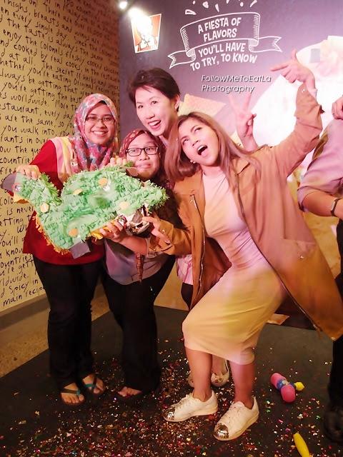 Posing With Singer Kaka Azraff & KFC Fans