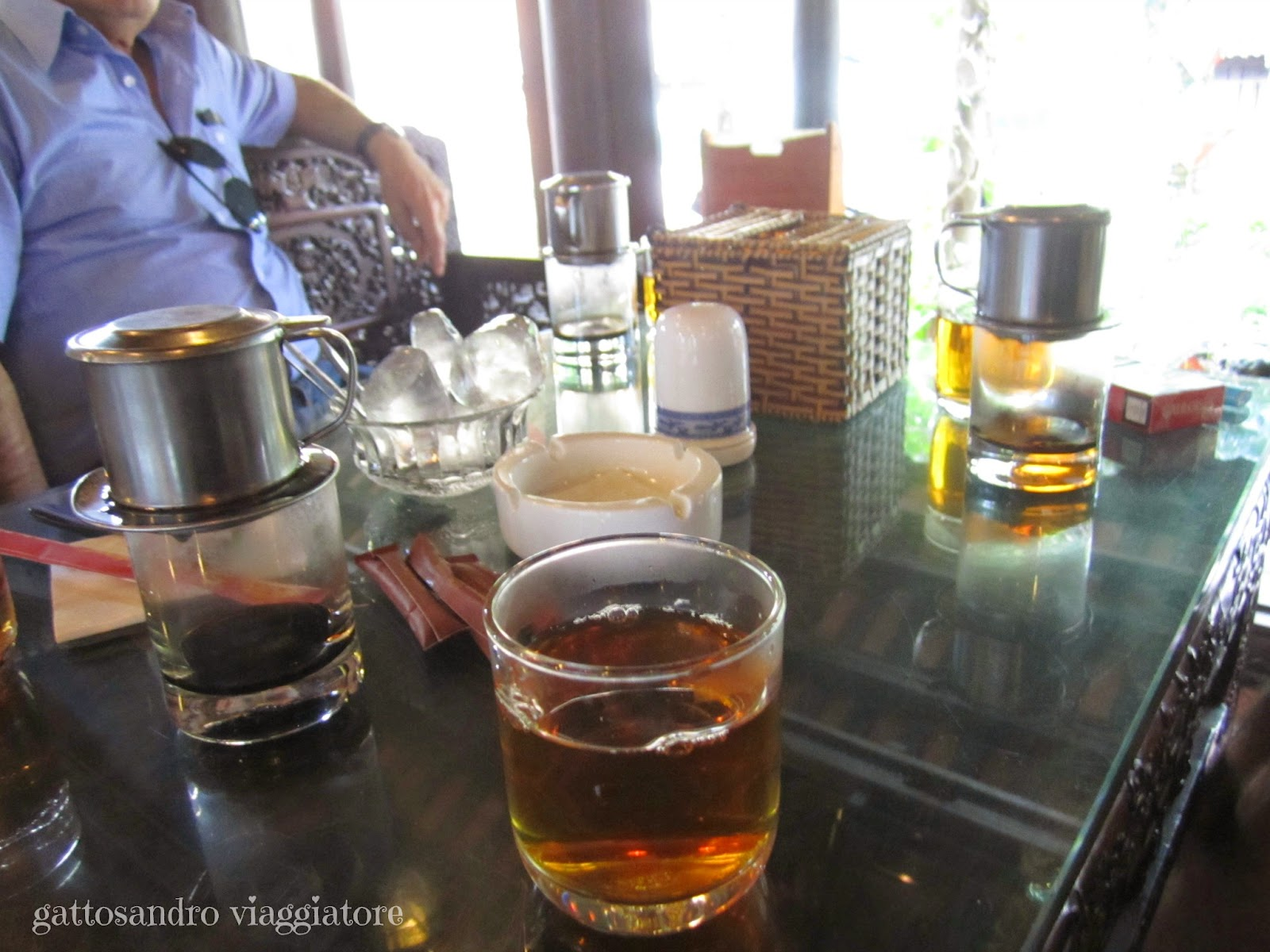 Khong Gian Xua (Caffè/Ristorante)