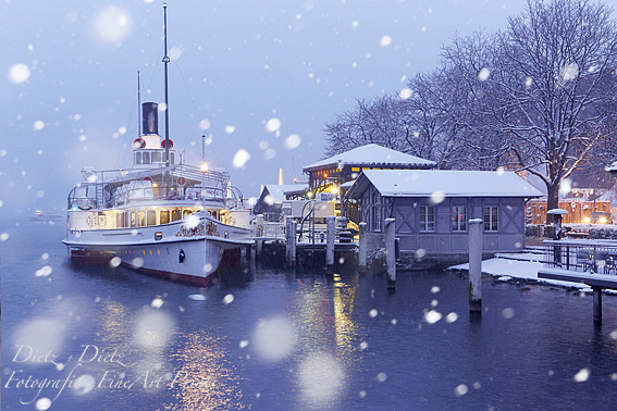 Steamer UNTERWALDEN, snowy evening in Lucerne