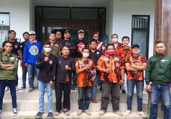 Forum Cibeunying Kidul Rempeug Sosialisasi Corona, Semprot Disinfektan di Ruas Jalan dan Kantor Kecamatan